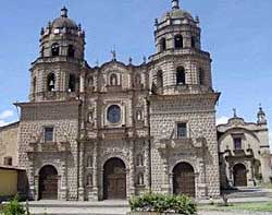 Church of San Francisco, Cajamarca, Peru (Photo: arqhys.com)